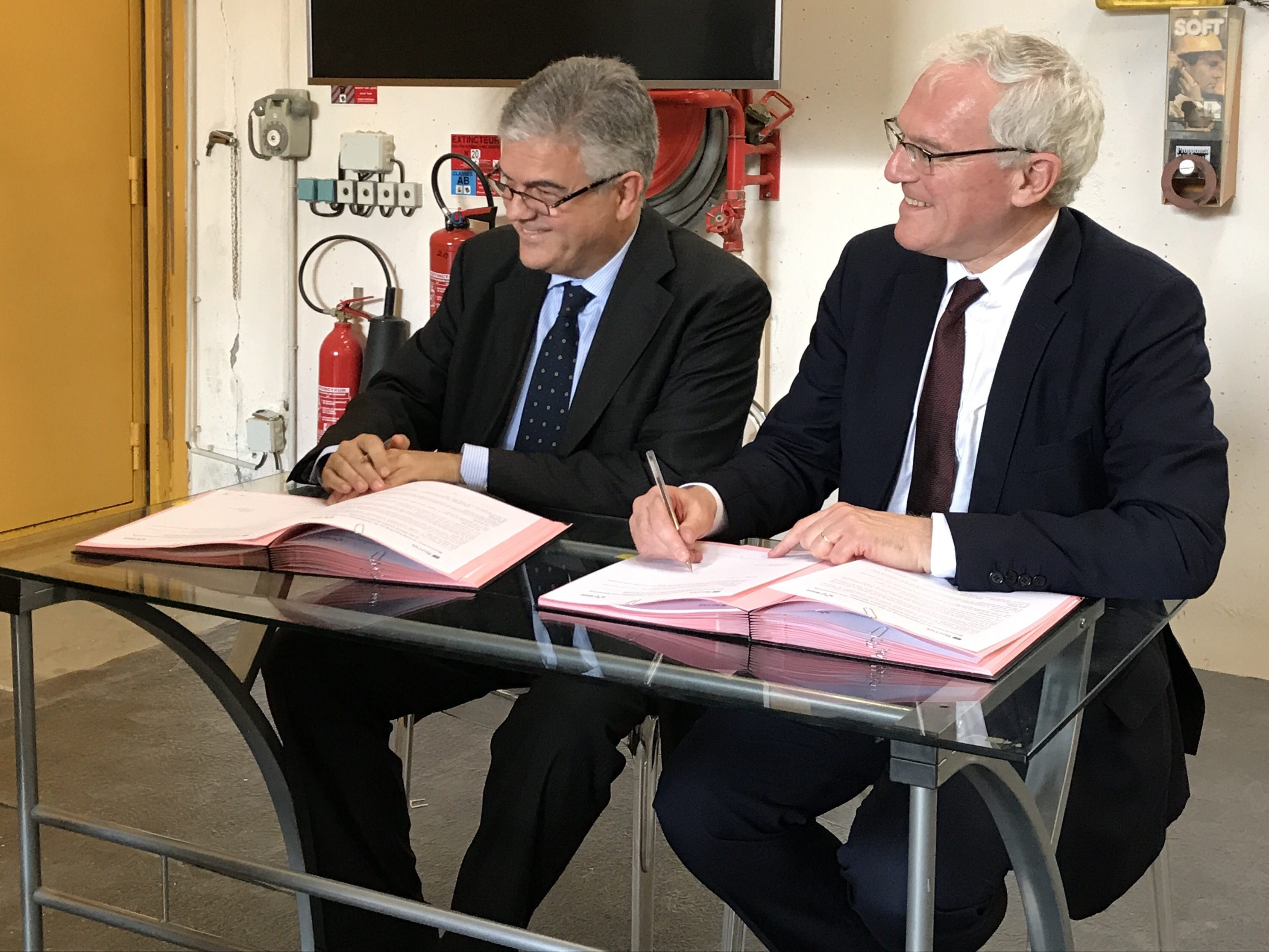 Signature de la convention SACOI